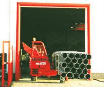 В качестве силовой установки используется 4-цилиндровый дизельный двигатель LISTER PETTER объемом 1,9л.
