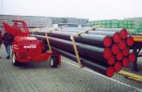 MANITRANSIT - это единственный погрузчик для длинномеров, который может производить погрузку-разгрузку грузовиков и прицепов с одной стороны